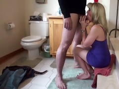 quickie washroom blowjob