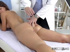 veronicas massive pussy gets examined and fingered