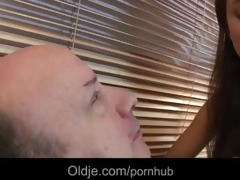 favourable old geezer bonks real sexy chick