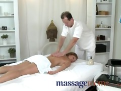 massage rooms hawt milf enjoys large oily fingers