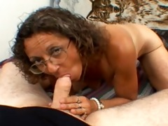 candi the mother i gets a facial