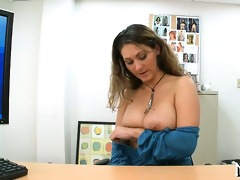 sexy mother id like to fuck showing her skills