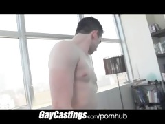 gaycastings flexable cheerleader spreads his hole