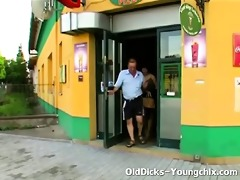 beauty gives old dude cook jerking