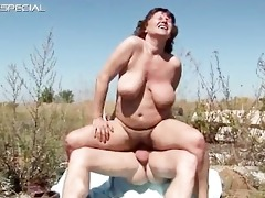 horny milf gets her shaggy muf screwed part1