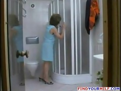 mature milf tempt in the shower
