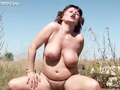 horny d like to fuck gets her hairy muf fucked