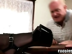 old man has a footfetish