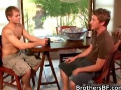 brothers sexy boyfriend receives weenie sucked