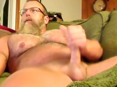 muscle daddy jerks off on daybed