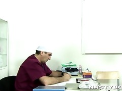 old doc does a thorough muff exam