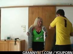 blonde grandma in darksome nylons bonks