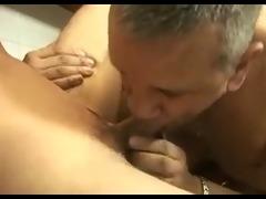 follando un culo maduro