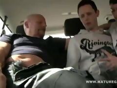 hot dad enjoys 2 hawt young twinks in his car