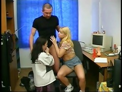 a dad play with 2 teenagers beauties and their