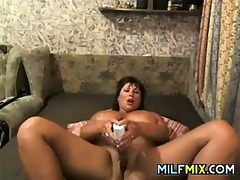chunky mother masturbating