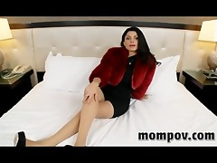 foregin milf gets threesome ramrod from the us